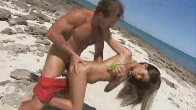 Orang itu memuaskan rasa lapar seksual seorang ibu teman download video jav hihi selingkuh dengan bercinta vaginanya.
