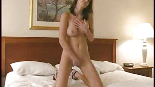Gadis Emo menyebalkan bola bokep jav sex dan masturbasi dengan ayam besar.