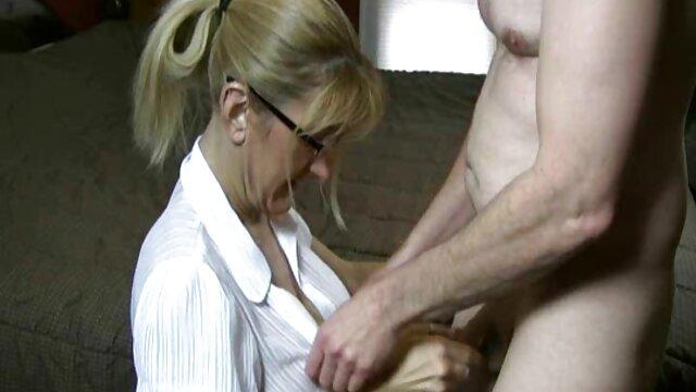 Big tits wanita muda pussy fucked oleh seorang pria tua pemarah bokep jav kakak