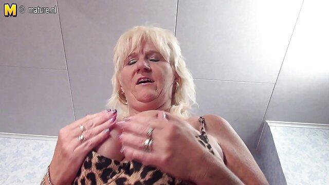 Aku berhubungan seks dengan pelacur di kamera tersembunyi. bokep jav jux