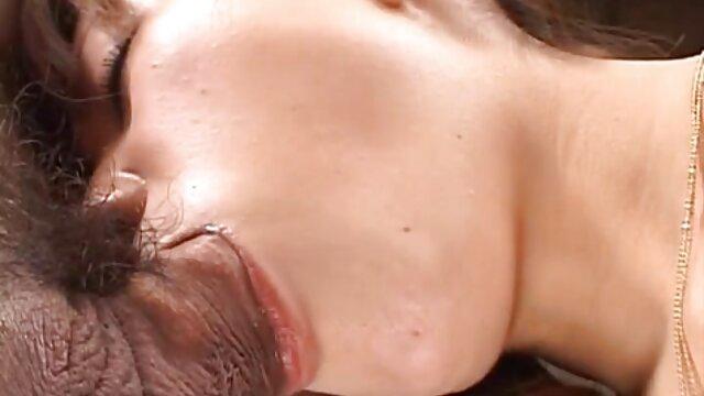 tenggorokan cewek pirang gendut bokep sex jav hd itu menusuk.